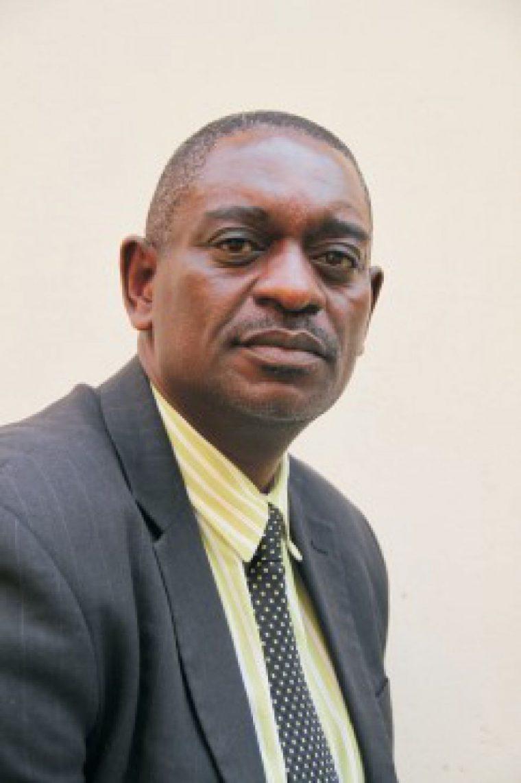 MDC-T complains about ZANU-PF walkouts that are killing debates on its ...: insiderzim.com/mdc-t-complains-about-zanu-pf-walkouts-that-are...